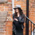 Exclu - L'actrice Jenna Dewan, enceinte, sort d'une clinique à Londres, le 18 avril 2013.