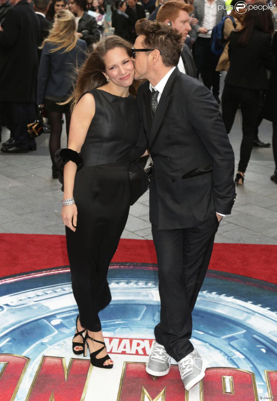 Robert Downey Jr. et sa femme Susan Downey à la première d'Iron Man 3 à l'Odeon Leicester Square, Londres, le 18 avril 2013.