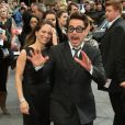 Robert Downey Jr s'éclate avec Susan Downey à la première d'Iron Man 3 à l'Odeon Leicester Square, Londres, le 18 avril 2013.