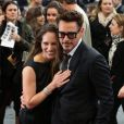 Robert Downey Jr. et sa tendre moitié Susan Downey à la première d'Iron Man 3 à l'Odeon Leicester Square, Londres, le 18 avril 2013.