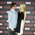 Robert Downey Jr. et Gwyneth Paltrow lors du photocall du film Iron Man 3 à l'hotel Dorchester à Londres le 17 avril 2013.