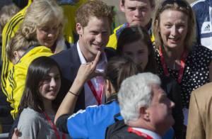 Prince Harry : Chic, séducteur et impertinent à l'arrivée du marathon de Londres