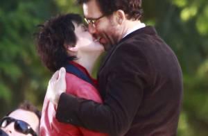 Juliette Binoche : Son tendre baiser à Clive Owen pour des 'mots et des images'