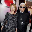 Karl Lagerfeld en 2012 avec Laura Smet à la présentation de la collection spéciale Noël