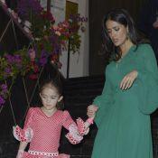 Salma Hayek et sa fille soutiennent les enfants sous les yeux d'Anthony Delon