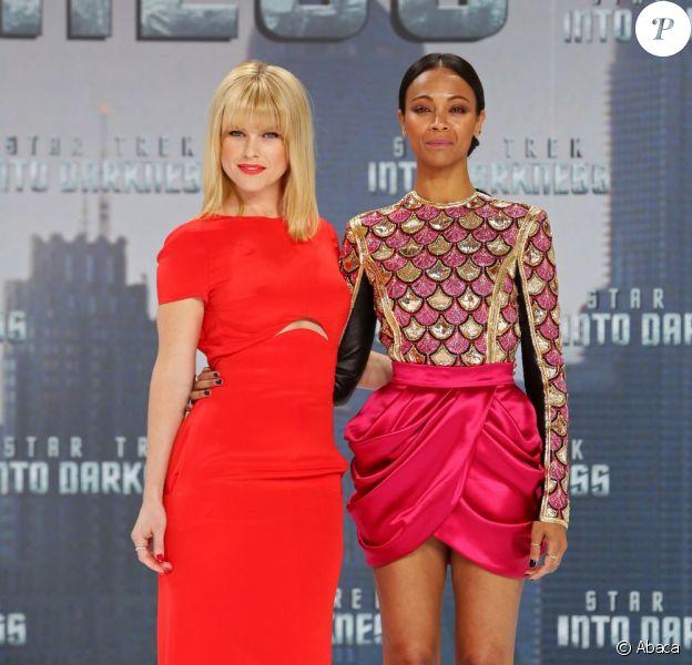Alice Eve et Zoe Saldana lors de l'avant-première du film Star Trek Into Darkness à Berlin le 29 avril 2013