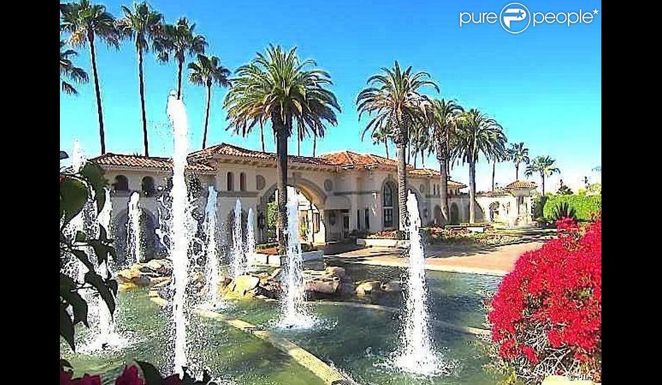 Chris Tucker a vendu sa maison de Los Angeles pour 2,1 millions de dollars le 27 mars 2013.