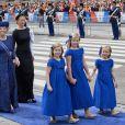 Les princesses Beatrix et Mabel suivent les princesses Amalia, Alexia et Ariane arrivant à la prestation de serment du roi Willem-Alexander des Pays-Bas, le 30 avril 2013 à la Nouvelle Eglise (Nieuwe Kerk) d'Amsterdam.