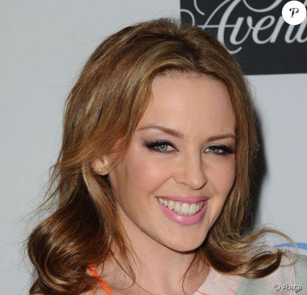 """Kylie Minogue à la soirée de charité """"An Unforgettable Evening Benefiting"""" qui récoltait des fonds pour la fondation EIF et la recherche contre le cancer. A Los Angeles le 2 mai 2013."""