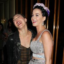 Mia Moretti et Katy Perry complices à l'after-party Gatsby le Magnifique au Standard Hotel de New York le 5 mai 2013.