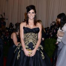 "Ashley Greene au Metropolitan Museum of Art pour le gala annuel du Costume Institute orchestré par la rédactrice en chef du magazine Vogue US et directrice artistique du groupe Condé Nast Anna Wintour. La soirée avait pour thème ""Chaos to couture exhibition"". A New York, le 6 mai 2013."