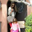 Alessandra Ambrosio emmène sa fille Anja chez le medecin à Santa Monica, le 6 mai 2013