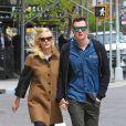 Jaime King, enceinte, et son mari Kyle Newman se promènent à New York, le 6 mai 2013.