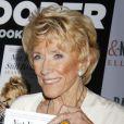 Jeanne Cooper pendant la promotion de son autobiographie le 27 octobre 2012.