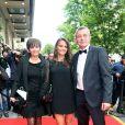Laurence, Leslie, Pierre Lemarchal à la 4eme édition du Global Gift Gala auGeorge-V à Paris, le 13 mai 2013.