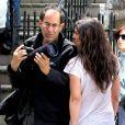 Katie Holmes s'en prend à un photographe sur le tournage de son film Mania Days, à New York, le 14 mai 2013.