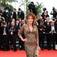 Clémentine Célarié à la montée des marches de Jeune Et Jolie, premier film en compétition, au Palais des Festivals de Cannes, le 16 mai 2013.
