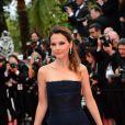 Virginie Ledoyen à la montée des marches de Jeune Et Jolie, premier film en compétition, au Palais Des Festivals de Cannes, le 16 mai 2013.