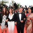 Daniel Auteuil arrive pour la montée des marches de Jeune Et Jolie, premier film en compétition, au Palais des Festivals de Cannes, le 16 mai 2013.