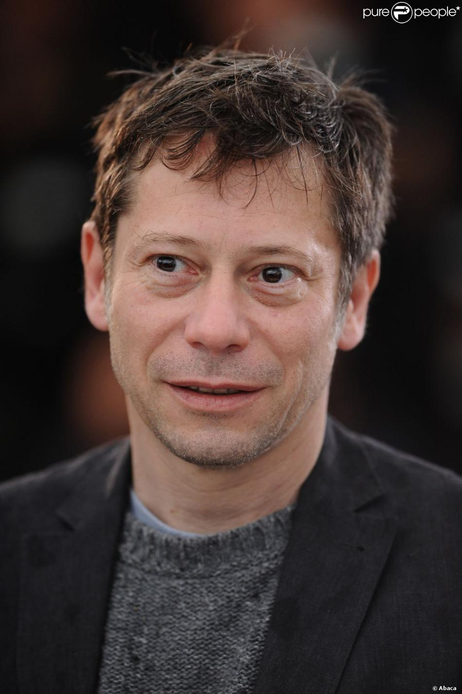 1129313-mathieu-amalric-posing-at-jimmy-