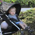 Exclusif - La fiancée de Guy Ritchie, Jacqui Ainsley, se balade avec son fils Rafael et sa petite fille, à Beverly Hills, le 20 mai 2013.