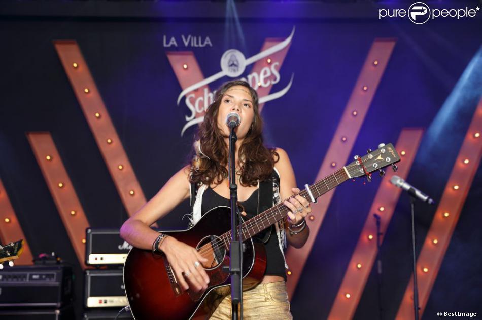 Vanille Clerc lors d'un concert à la Villa Schweppes pendant le 66e Festival de Cannes le 20 mai 2013
