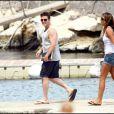 Matt Dillon en vacances, bien entouré