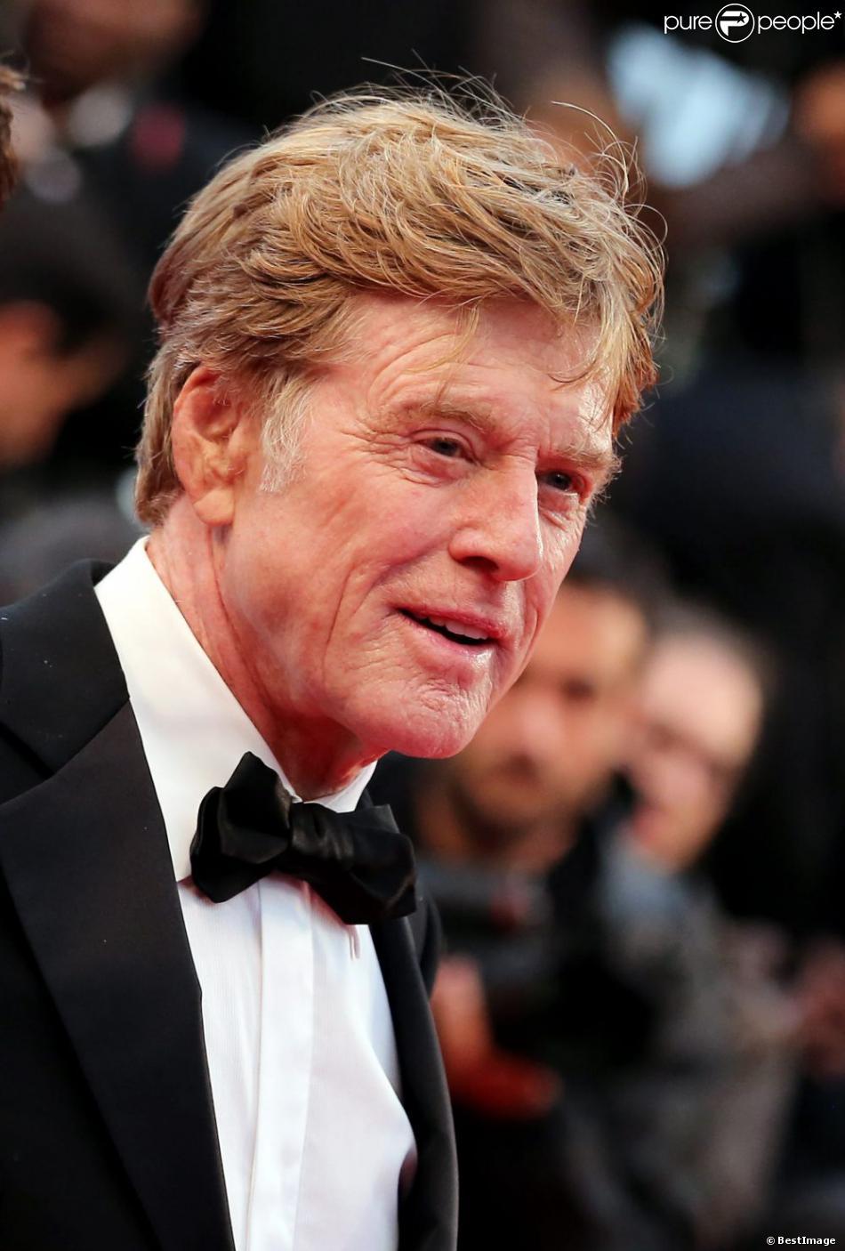 """Robert Redford lors de la montée des marches du film """"All is lost"""" lors du 66e Festival du film de Cannes, le 22 mai 2013"""