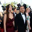 Eric Besson et sa femme Yasmine lors de la montée des marches avant la projection du film  Nebraska  à l'occasion du 66e Festival de Cannes le 23 mai 2013