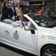 Pierre Casiraghi et sa compagne Beatrice Borromeo, des visiteurs pas passés inaperçus dans les paddocks du Grand Prix de F1 de Monaco le 26 mai 2013, qui ont même eu droit à une reconnaissance du circuit