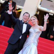Cannes 2013 : Uma Thurman flamboyante et sensuelle au bras de son amoureux Arpad