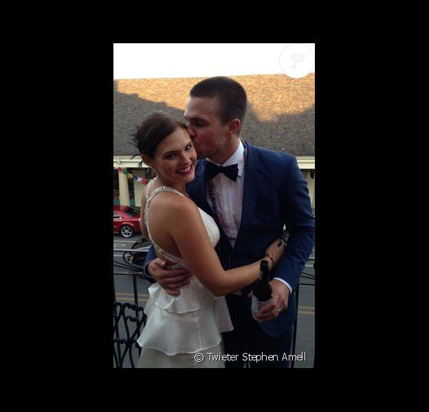 Stephen Amell et Cassandra Jean se sont dits oui pour la seconde fois le 26 mai 2013 à la Nouvelle Orléans