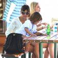 Kourtney Kardashian et son fils Mason profitent d'une belle après-midi à Malibu, le 29 mai 2013.