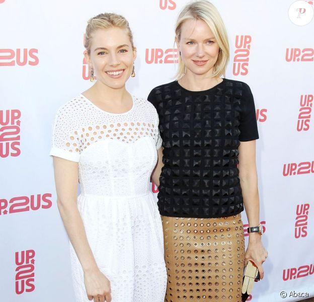 Sienna Miller et Naomi Watts lors de la soirée de gala de charité Up2Us à New York, le 4 juin 2013.