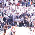 Tony Parker a inscrit un panier incroyable lors du premier match de la finale NBA entre les Spurs de San Antonio et le Heat de Miami, le 6 juin 2013 à Miami
