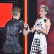 Justin Bieber et Miley Cyrus : La belle nie le flirt et confirme ses fiançailles