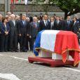 Gilberte Mauroy et son fils Fabien, Jean-Marc Ayrault, Martine Aubry, Lionel Jospin et Claude Bartolonelors de l'hommage à Pierre Mauroy à Lille le 13 juin 2013.