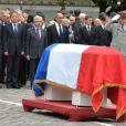Gilberte Mauroy et son fils Fabien, Jean-Marc Ayrault, Martine Aubry, Lionel Jospin, Claude Bartolone et Harlem Desir lors de l'hommage à Pierre Mauroy à Lille le 13 juin 2013.