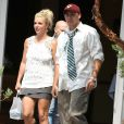 Britney Spears et son petit ami David Lucado font les courses, le vendredi 5 juillet 2013 à Thousand Oaks.