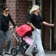 La veuve de James Gandolfini, Deborah Lin, et leur fille Liliana se promènent avec Marcy Gandolfini à New York, le 11 juillet 2013.