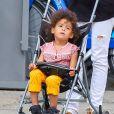 Ellen Pompeo se promène avec sa jeune fille Stella Luna Ivery, à New York, le 12 juillet 2013.