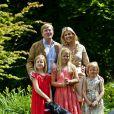 Willem-Alexander et Maxima des Pays-Bas accueillaient le 19 juillet 2013 comme chaque année la presse dans leur résidence, la Villa Eikenhorst à Wassenaar, pour une séance photo marquant le début des vacances d'été de la famille royale. Leurs trois filles, les princesses Catharina-Amalia, Alexia et Ariane, connaissant bien l'exercice, auquel s'est également prêté leur chien, Skipper.