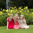 Les princesses Catharina-Amalia, Alexia et Ariane, lors de la séance photo des vacances d'été le 19 juillet 2013 à la Villa Eikenhorst à Wassenaar.