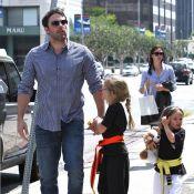 Jennifer Garner enceinte ? Elle se cache derrière Ben Affleck et leurs filles