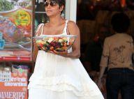 Halle Berry, enceinte : Gourmande et ravissante sous le soleil californien