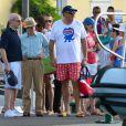 Woody Allen et ses amis à Saint-Tropez le 28 juillet 2013.