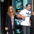 AnnaLynne McCord, totalement déboussolée et étourdie à la sortie du dentiste, est accompagnée par son compagnon Dominic Purcell, à Beverly Hills, le 26 juillet 2013