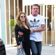 AnnaLynne McCord, star de 90210, totalement déboussolée et étourdie à la sortie du dentiste, est accompagnée par son compagnon Dominic Purcell, à Beverly Hills, le 26 juillet 2013