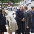 Arrivée de la famille royale de Belgique, menée par le roi Philippe et la reine Mathilde, à la cathédrale des Saints Michel-et-Gudule de Bruxelles le 31 juillet 2013 pour une messe à la mémoire du regretté roi Baudouin au 20e anniversaire de sa mort.