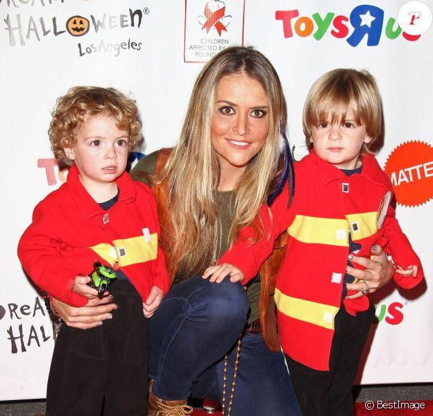 Brooke Mueller et ses jumeaux âgés de 3 ans le 29 octobre 2011.